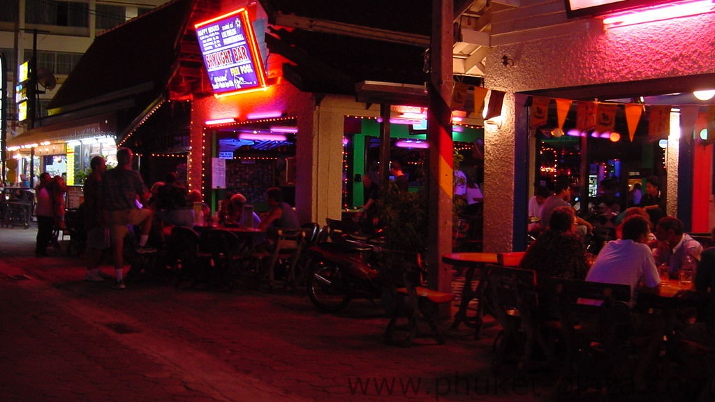 phuket photos nightlife karon bar