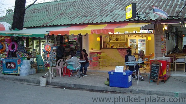 phuket photos daylife patong beach road